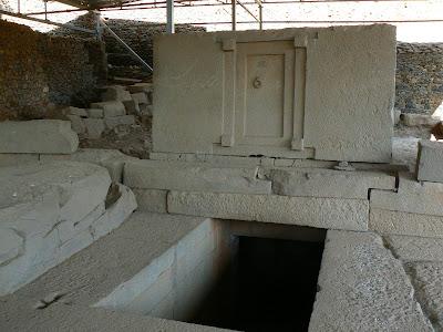 Imagini Etiopia: mormantul usii false Aksum