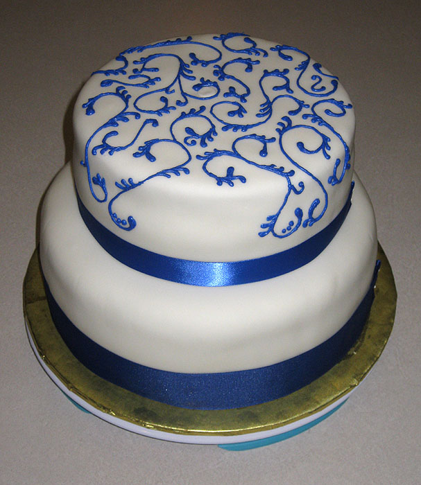 Royal Blue Wedding Cakes: Slice Of Fun Cakes: A ROYAL (BLUE) WEDDING And A BAKUGAN CAKE