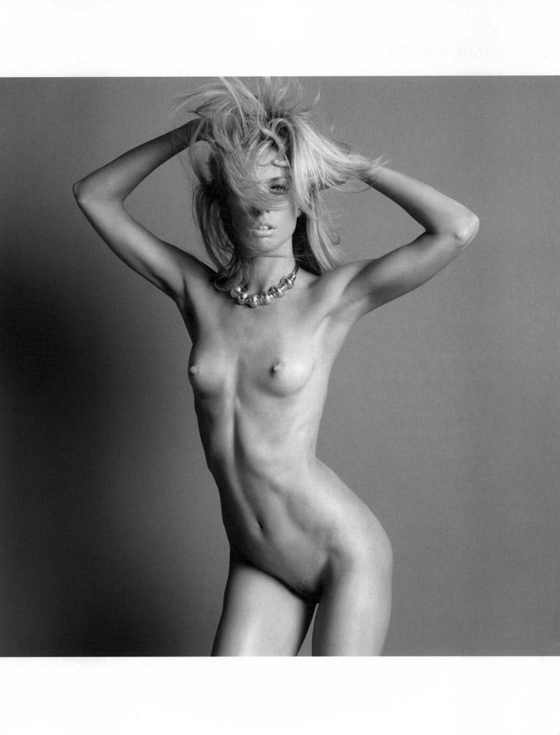 Топ модель голая 23 фотография