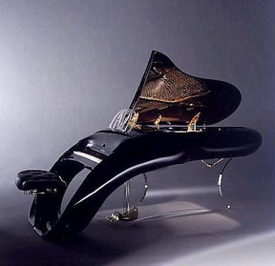 http://2.bp.blogspot.com/_DgypyrBIhLY/TVDoQb6N10I/AAAAAAAADUo/_ho393asPc4/s1600/pegasus-piano.jpg