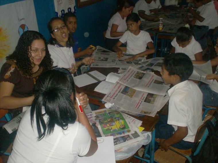 Participantes trabajando