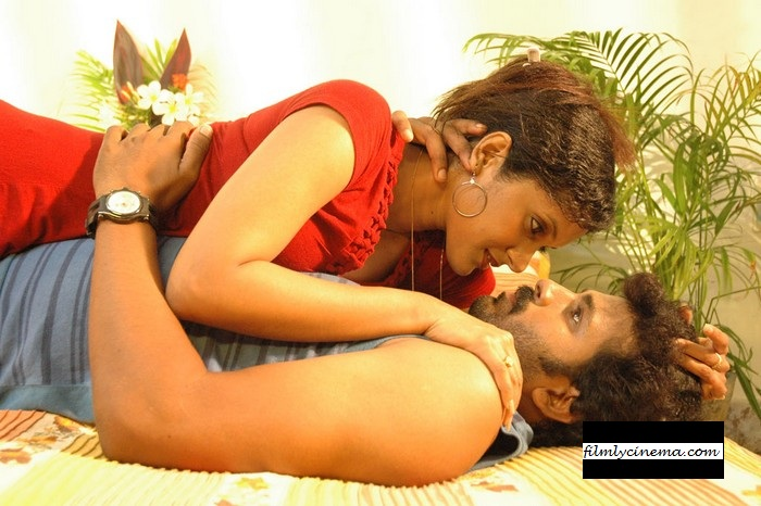 Kadhal Hot Bedroom Scene