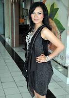 foto hot seksi Ika Putri - Foto Artis Cantik Indonesia celebrity style