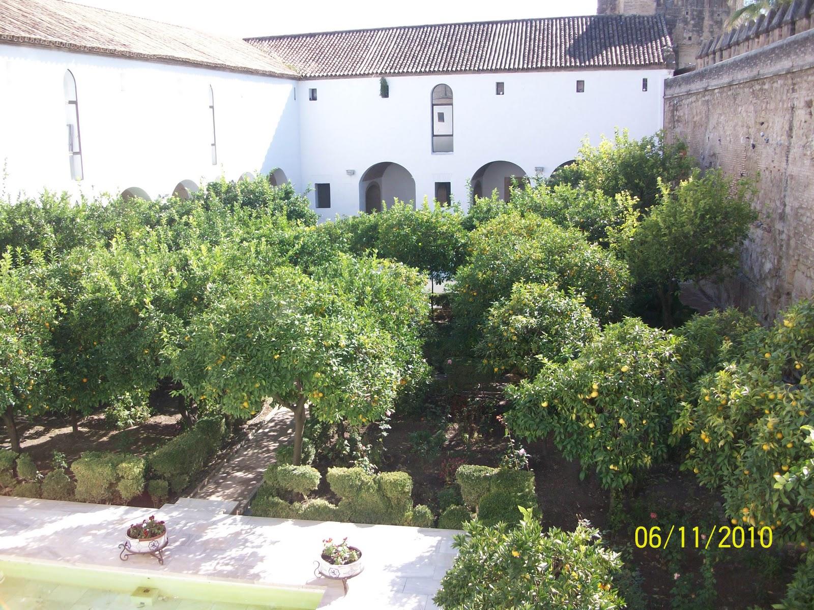 El paraje de paco una visita a cordoba fotos del puente romano y jardines del alcazar - Jardines puente cultural ...