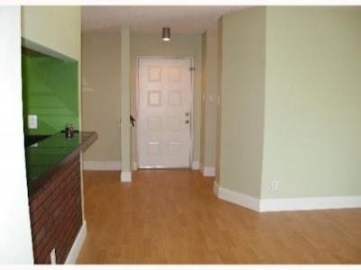 Sala de apartamento remodelado en Hammocks en Miami