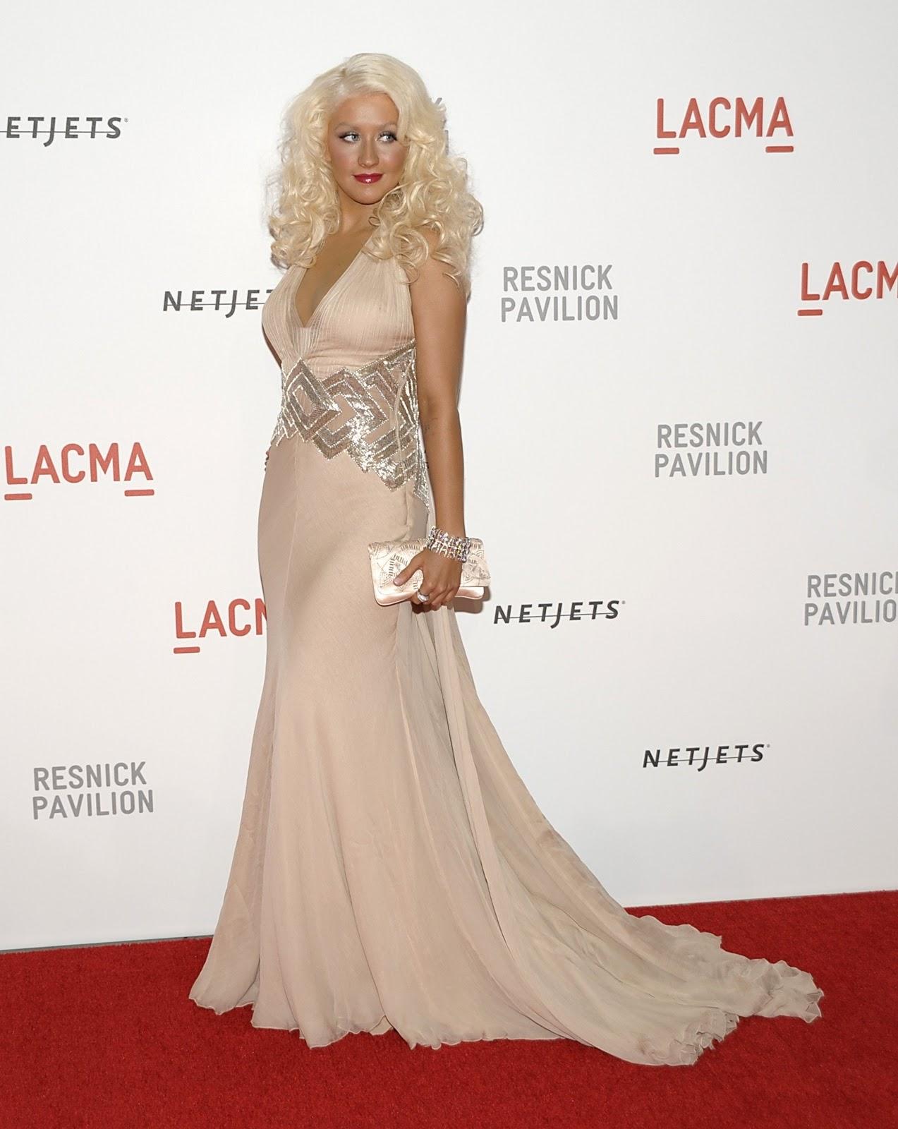 http://2.bp.blogspot.com/_DqQNorl_2Kc/TJ9DH69IXjI/AAAAAAAAAHY/VV8KK8G-cTM/s1600/Christina-Aguilera-11.jpg