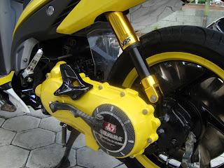 Motor Honda Vario Modifikasi warna serasi