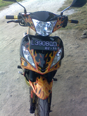 Modifikasi cat Jupiter MX tahun 2006 di Air Brush