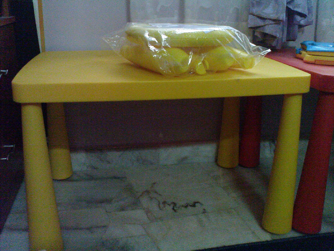 the pinky shop yellow ikea mammut table stool. Black Bedroom Furniture Sets. Home Design Ideas