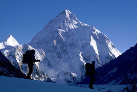 climbers on k2