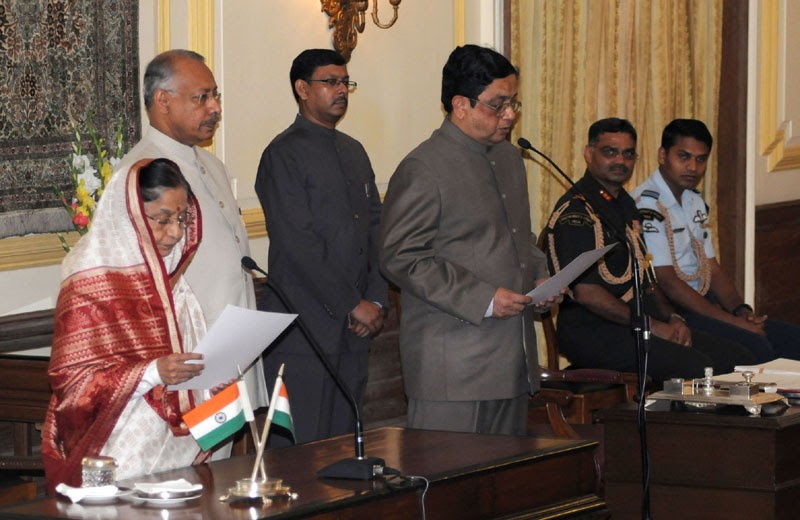 Babus of india cabinet secretary contender pj thomas sworn in as cvc what s in store for m - Cabinet secretariat govt of india ...