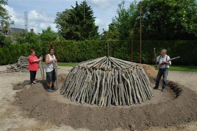 Nibelle et baudouin le charbon la meule for Fabrication charbon de bois