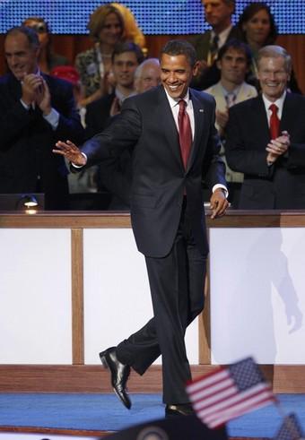 [Obama+Suit+-+Red+tie]