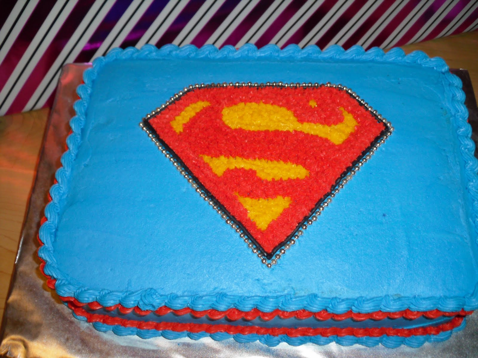 Superman Cake Design Goldilocks : Cake Designs by Steph: Superman Logo!