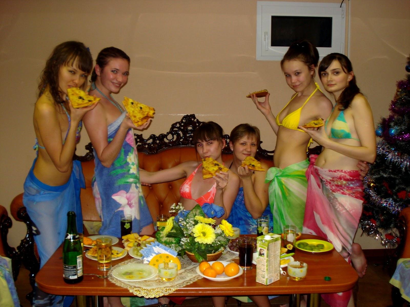 С девчонками в сауне 13 фотография