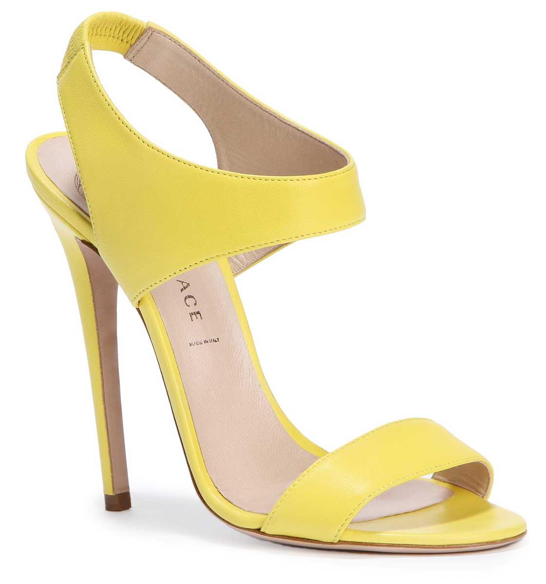 http://2.bp.blogspot.com/_E-uykHk4AyM/TU_kngtsIwI/AAAAAAAADyY/Q4-zWHcA9Gg/s1600/versace+spring+summer+2011+accessorises+%25285%2529.jpg