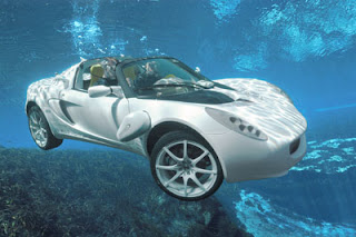 meio carro meio submarino