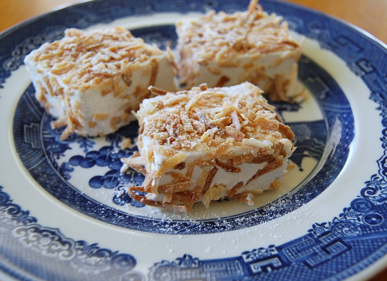 Vegan Marshmallows with toasted coconut