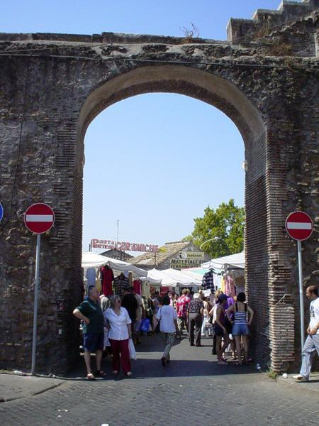 Fashion crowd adresses rome - Porta portese sud ...