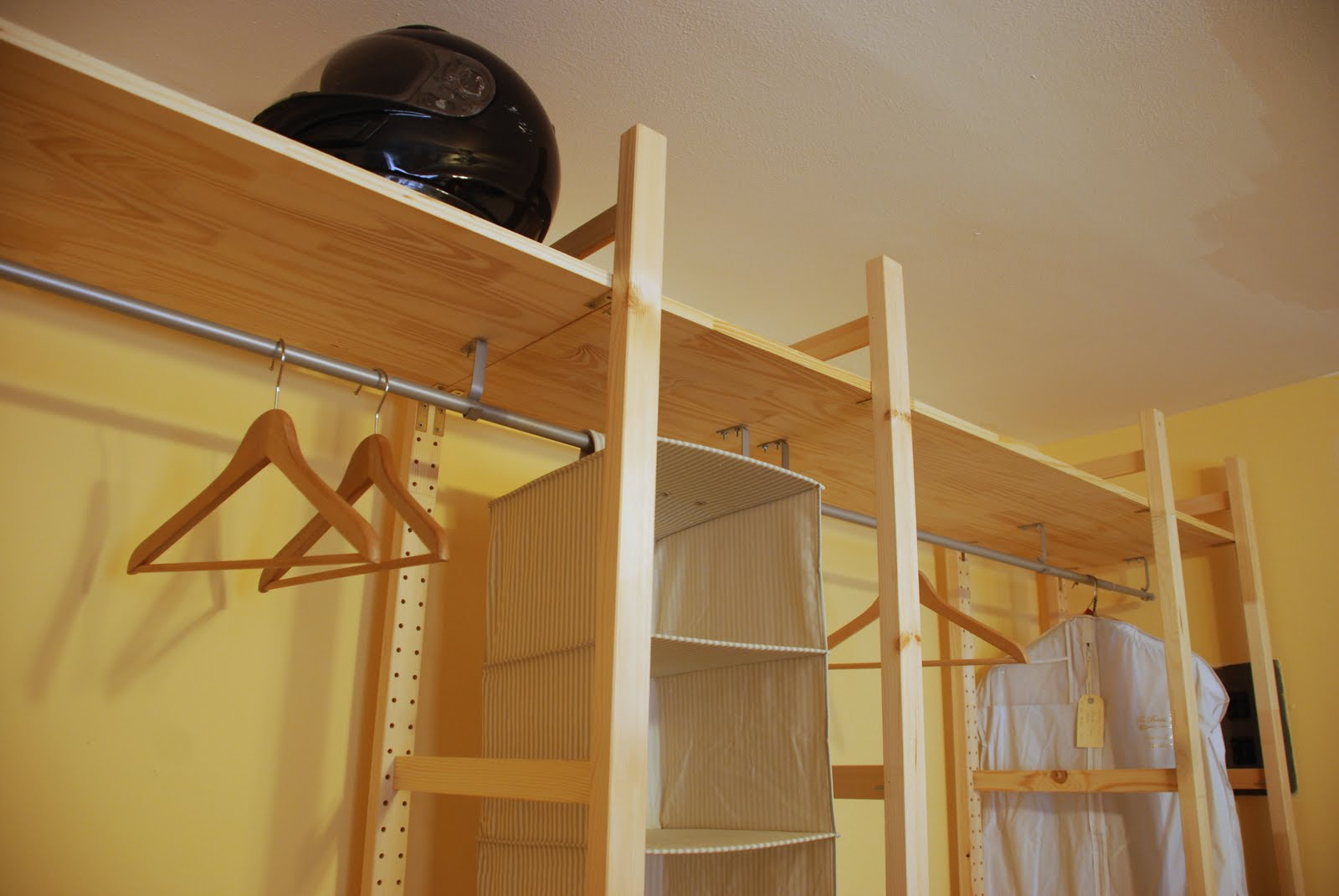 kunst hand werk schrank nach ma f r kleines geld. Black Bedroom Furniture Sets. Home Design Ideas