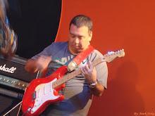 Mauro Tanaka - Guitarra