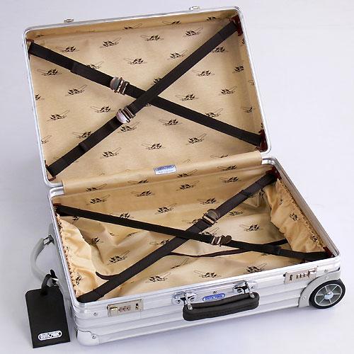 a true gentleman want rimowa classic flight. Black Bedroom Furniture Sets. Home Design Ideas