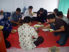 Syukuran potong rambut putra pertama Bp. Bambang Warisi guru SMP PUI Muktisari