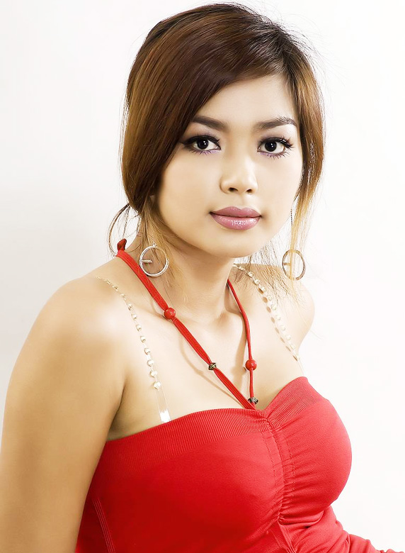 Cute Wallpapers: Myanmar Model Nwe Nwe Htuns Sexy Poses