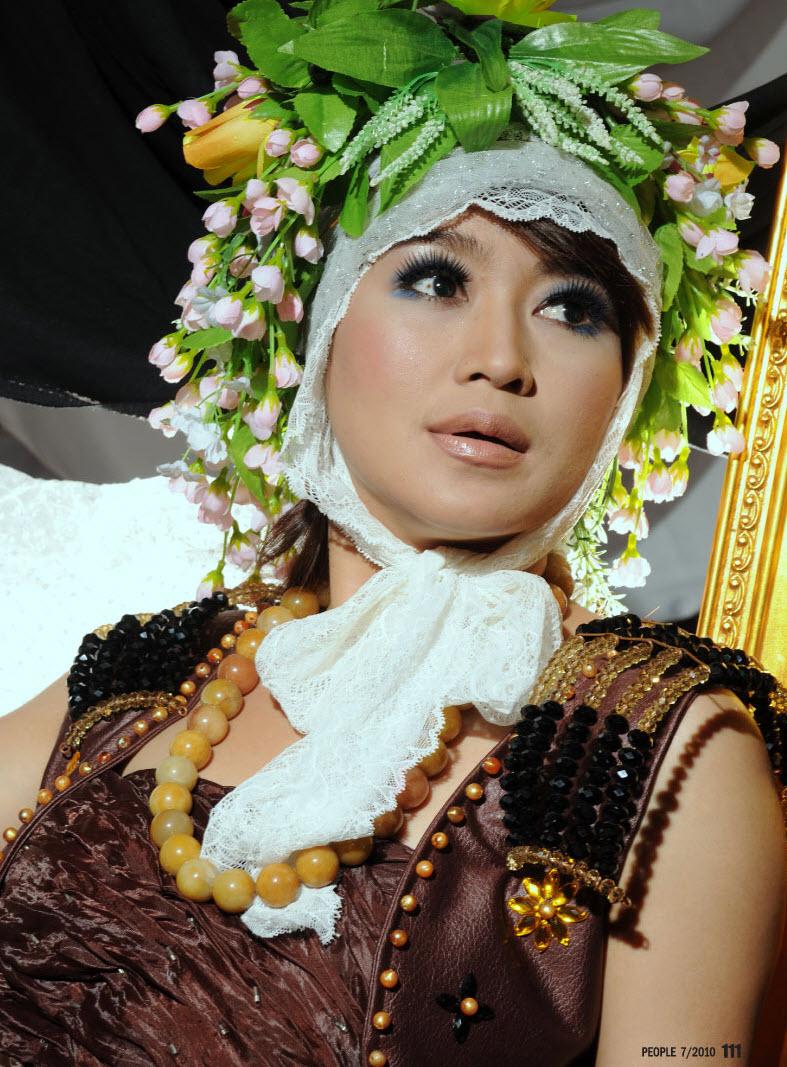 Zaw Tun Shwe Bo Rachael Edwards