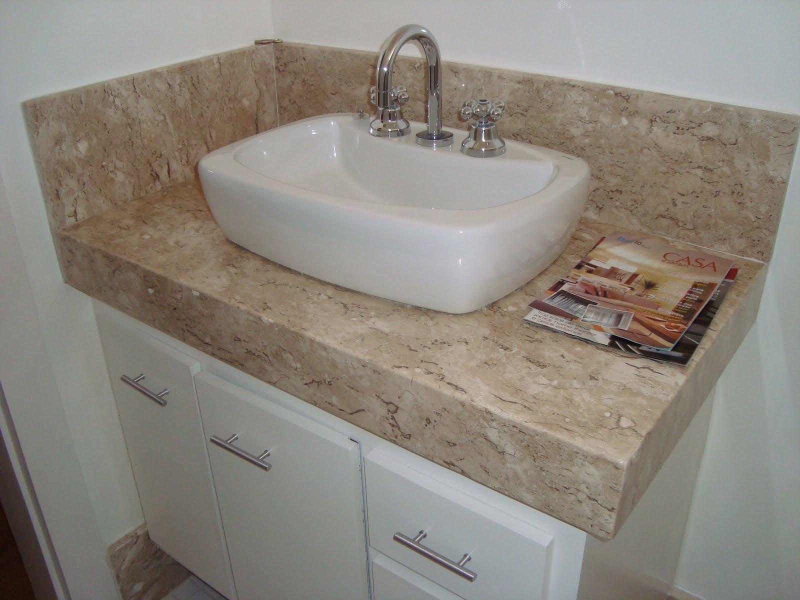 Bancada de banheiro em mármore travertino com acabamento 45° de 0  #634C3D 1600 1200
