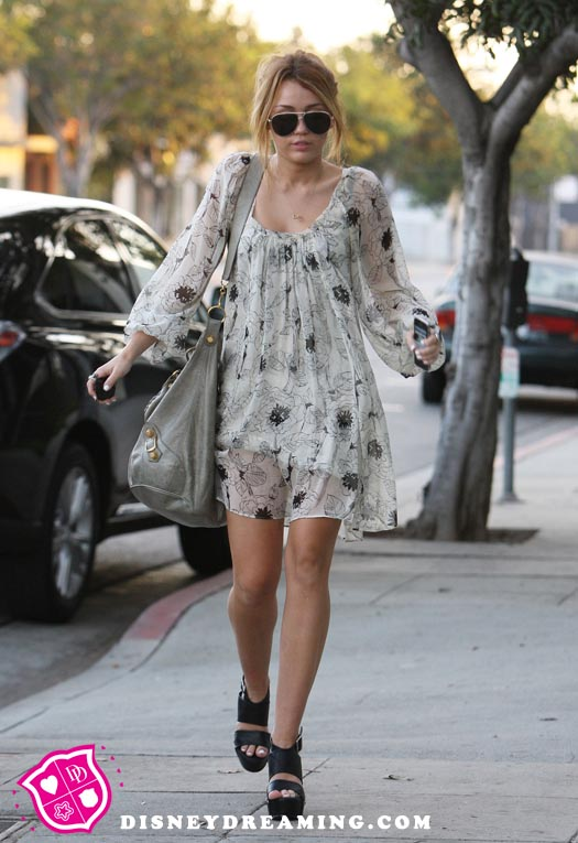 miley cyrus outfits 2011. miley cyrus outfits casual.