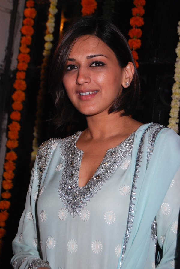 INDIA 365: Download Free sonali bendre wallpapers 2011