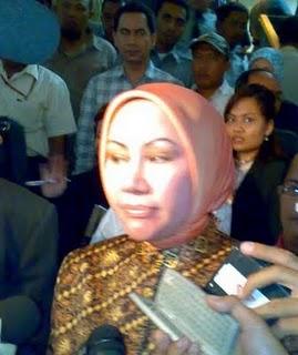 Pemaksaan Ius Constitutum Makelar Hukum Indonesia