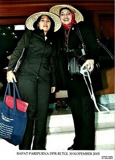 Bunda Marissa Haque & Bunda Eva Sundari