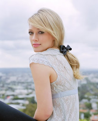 Sleek blonde Ponytail Haircuts For Teen Girls