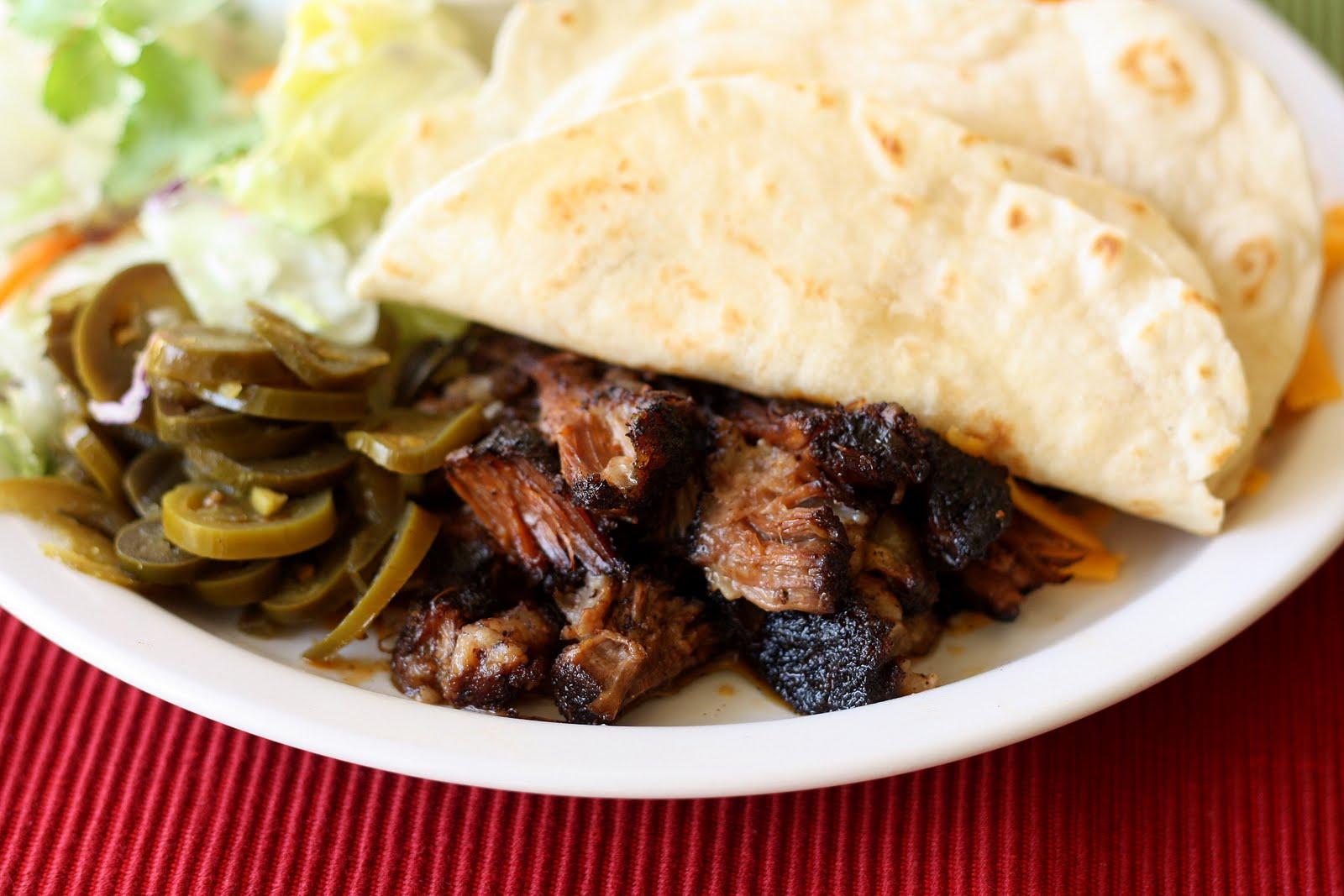 Mangio da Sola: Shredded Beef Tacos
