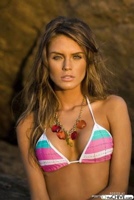 Marilia Moreno in Bikini