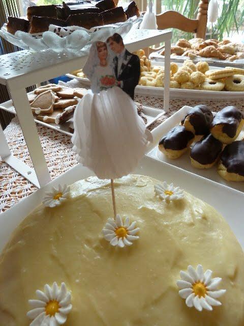 Blums Coffee Crunch Cake Recipe From Martha Stewart Living June
