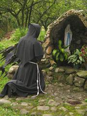 Salve María, Virgen hecha Iglesia