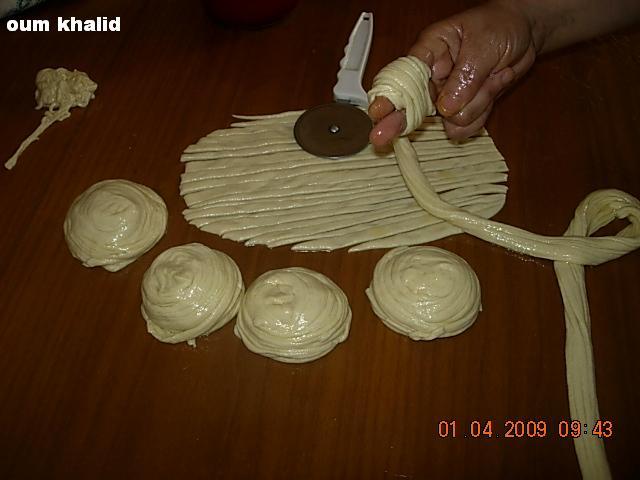 **موضوع متميز**فطائر مغربية خاصة -رزيزة - DSCN4666