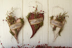 Valentine Prim Heart Trio
