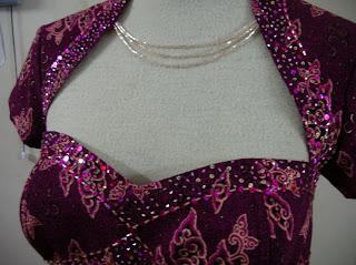 Payet Gaun Pesta Baju Pesta Batik Modern Hijau Emas Untuk Sekeluarga ...