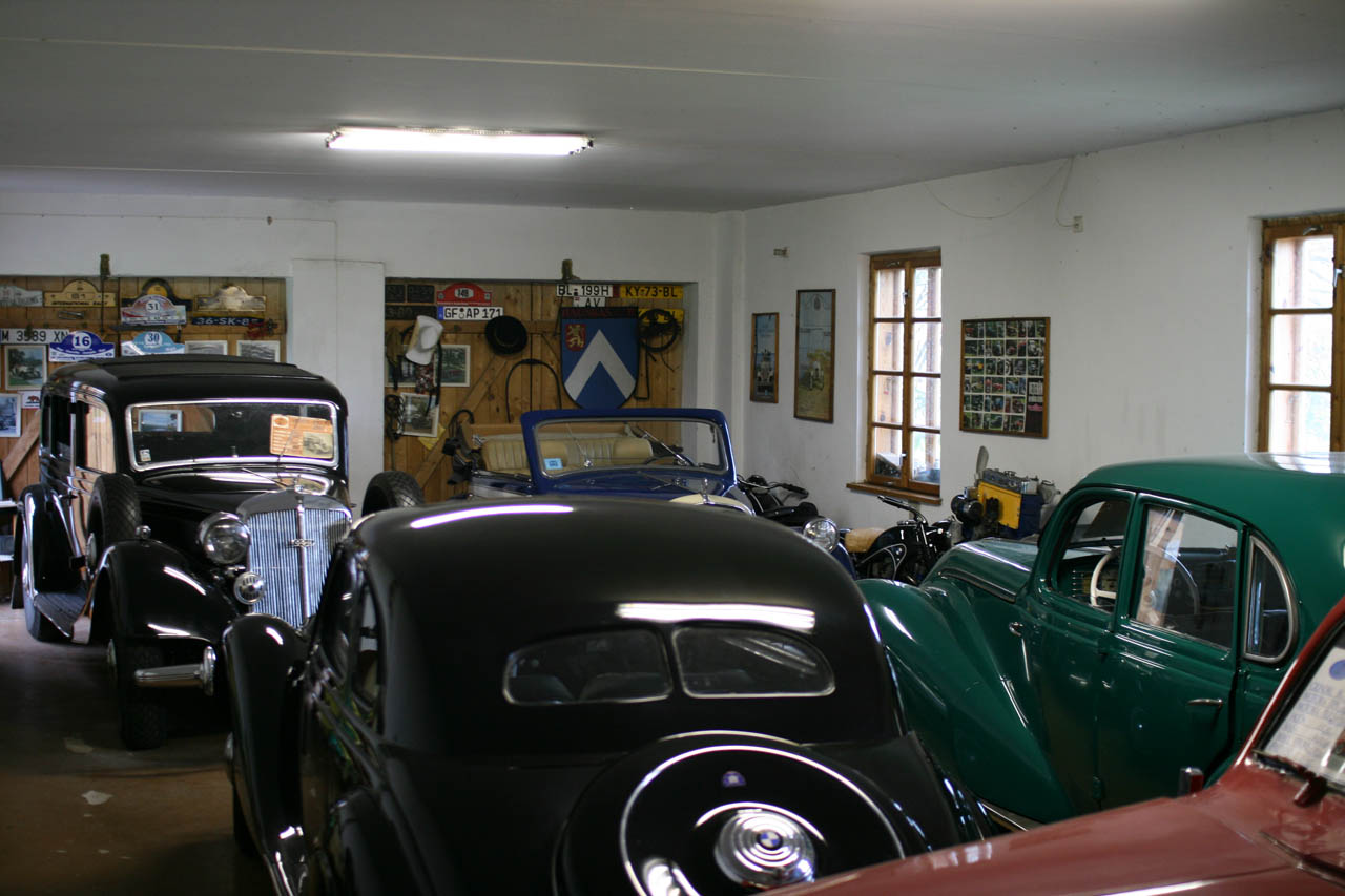 Vintage Car Garage : Riga daily photo may sights famous places and people