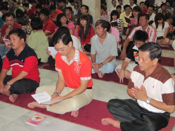 Midnight service to welcome Chinese New Year 2010