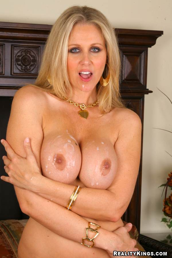 hvid ko Annette heick breasts