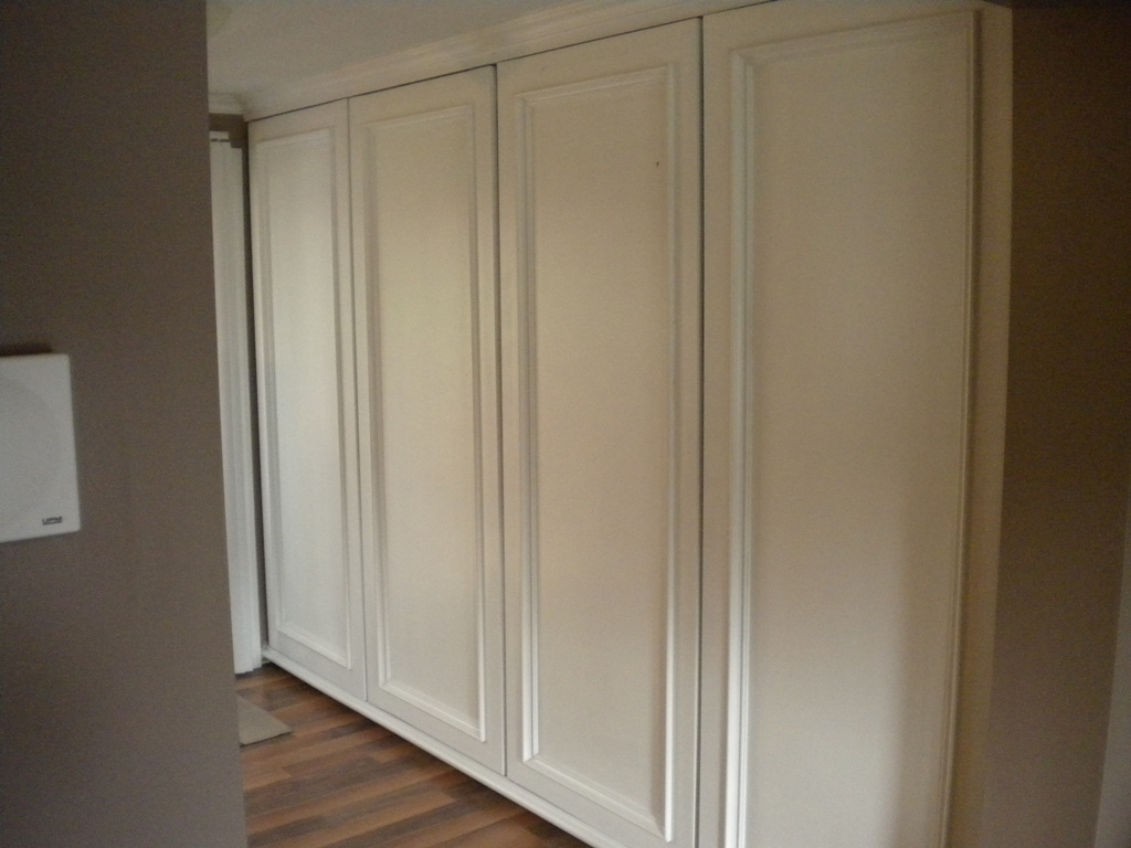 Kitchen Storage Cabinets Floor to Ceiling