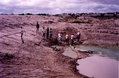 A escavação de um barreiro