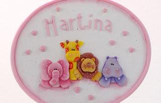 Cartel con nombre en porcelana fría