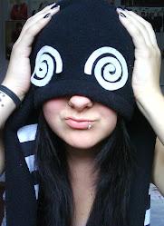 Dorgas, larguei. Agora sou um panda fofinho e bêbado.
