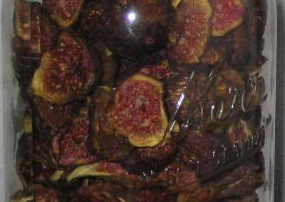Quart jar of dried figs.